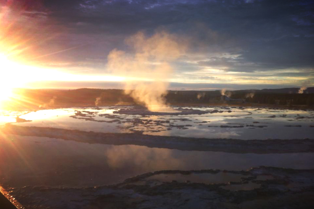 Yellowstone sunset-bgd