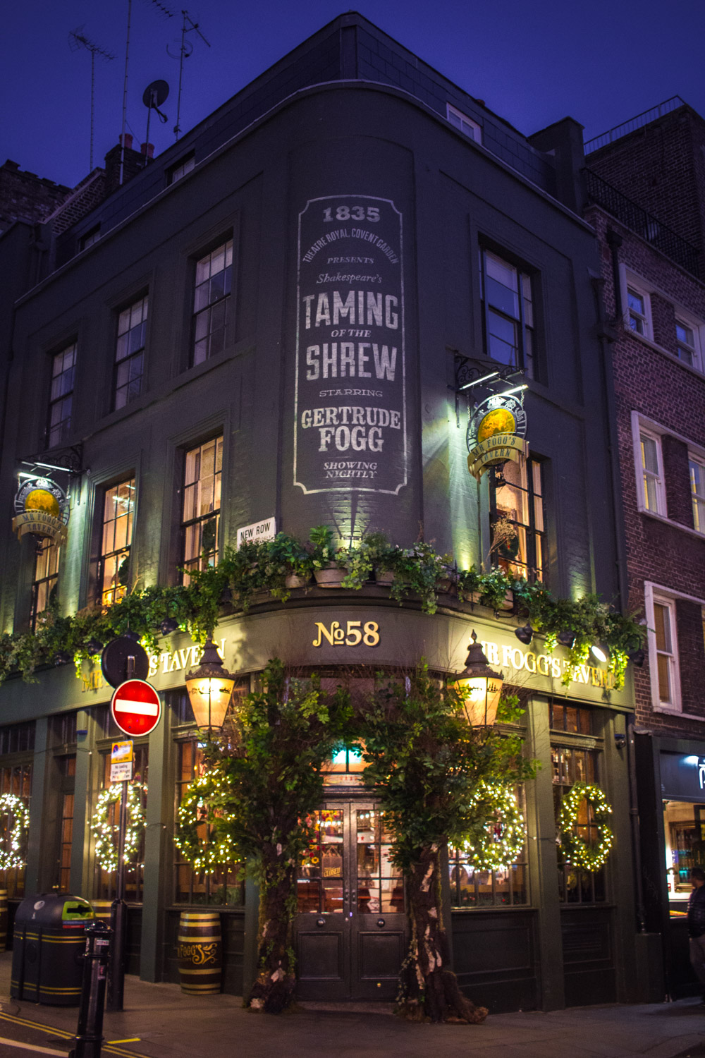 Mr. Fogg's Tavern in London